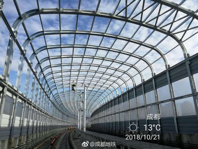 成都地铁5号线高一二期工程架段声屏障全部安装完成(图)