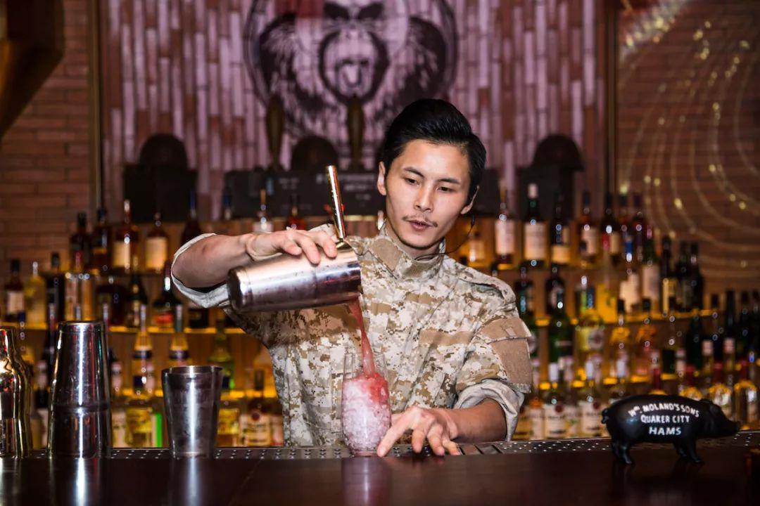 成都首家水烟酒吧猩猩地堡来了
