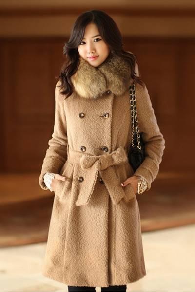 时尚毛呢大衣带毛领