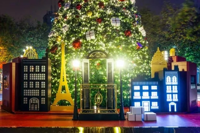 2017上海最美圣诞树上线 拗造型打卡好去处