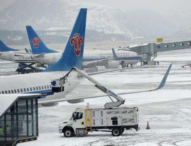 提前做好飞机的除防冰准备工作