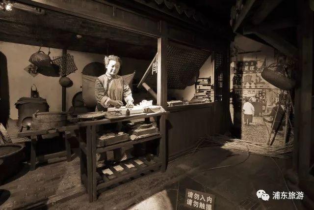 6月6月 女士穿旗袍可免费参观上海城市历史发展陈列馆
