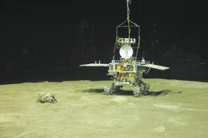 嫦娥三号月球车示意图