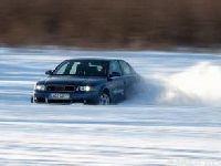 冰雪路面开车的注意事项