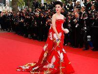 戛纳历史上华人那些惊艳的红毯造型