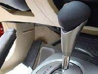 自驾车出行必备常识 更换汽车轮胎分六步