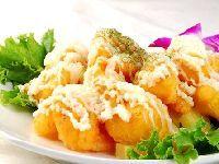 外焦里嫩口感适宜的美食菠萝虾球