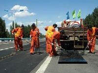 我盟多措并举加强边防公路养护管理工作