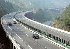 """果洛总段""""四个突出""""确保冬季公路安全畅通"""