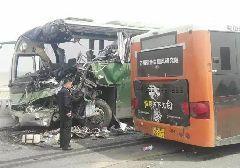 4月19日苏州太湖大桥车祸 已致2人死亡38人受伤