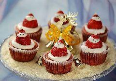点亮圣诞季----圣诞老人纸杯蛋糕