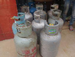 水店私售黑煤气 店主被拘