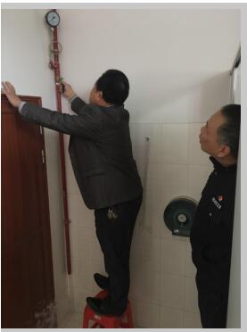 大鹏公安分局大鹏派出所到布新商务宾馆检查消防安全