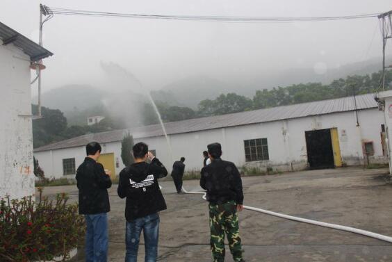 大鹏公安分局土洋派出所深入工厂企业开展消防演练