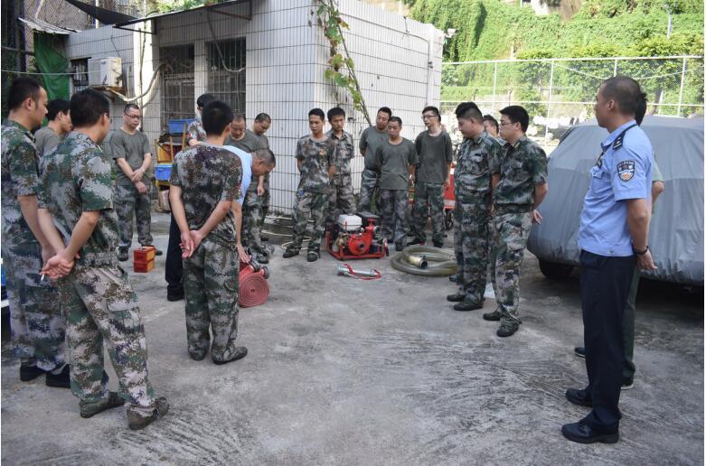 罗湖消防对城中村义务消防队进行防火培训演练