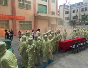 消防演练进工厂 面对火灾不再慌