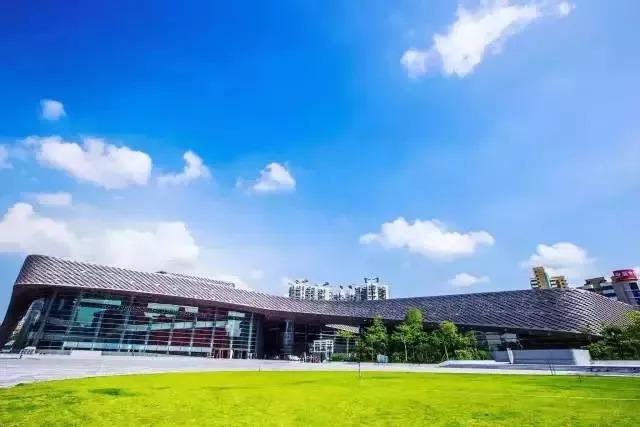 深圳足球场地