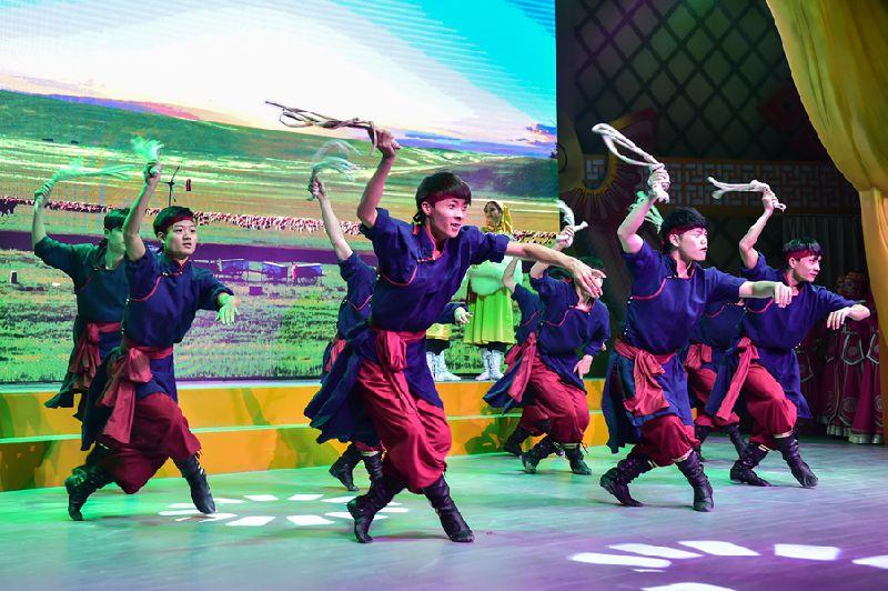 锦绣中华全新项目那达慕震撼推出,开启2018年春节大庙会狂欢序幕