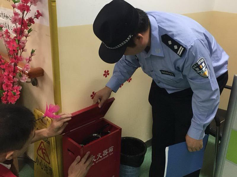 罗湖消防民警开展养老服务机构消防安全专项检查