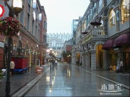 汉街雨景-武汉免费旅游景点 楚河汉街图片