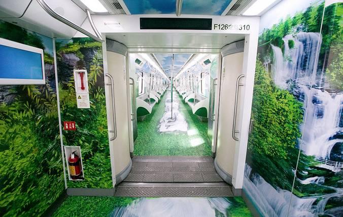 """武汉地铁6号线""""绿野仙境""""专列持续到10月8日"""